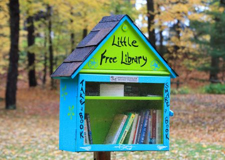 free-outdoor-library